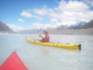 Kayaking Tasman glacier lake